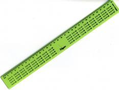 Линия 30 см., непрозрачна, пластмасова, с таблица за умножение